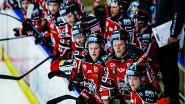 Heroisk kämparinsats av våra hockeykrigare