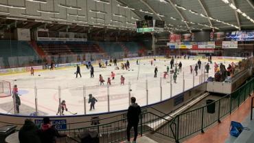 Hockeyskolan välbesökt!